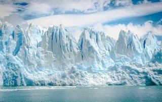immagini di un ghiacciano al Polo Nord